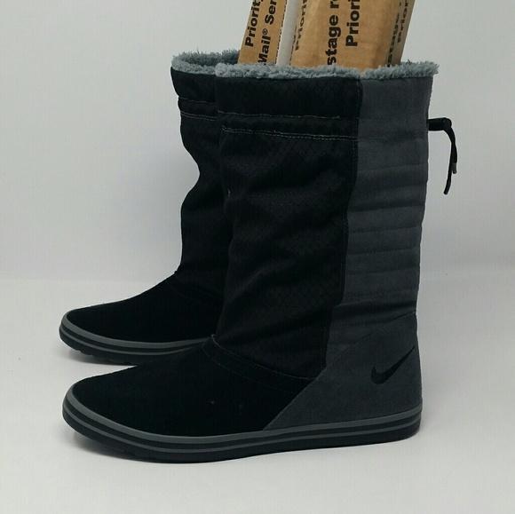 6da7a3884d Nike Women s Winter Boots. M 5b4db92e9539f78dd2ede9e8
